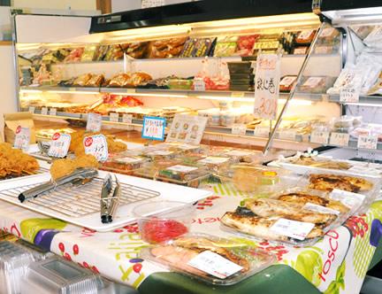鮮魚、刺身、惣菜、加工食品。豊富な魚のデパートです。